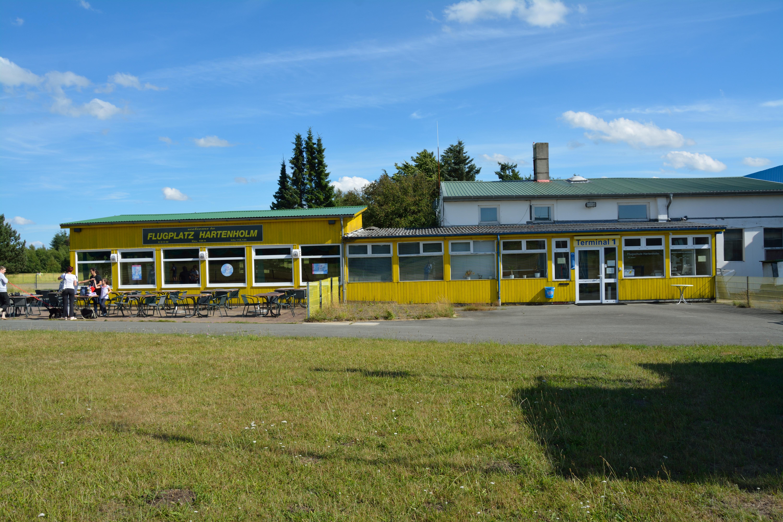 File:Hasenmoor, Flugplatz Hartenholm NIK 2377.JPG
