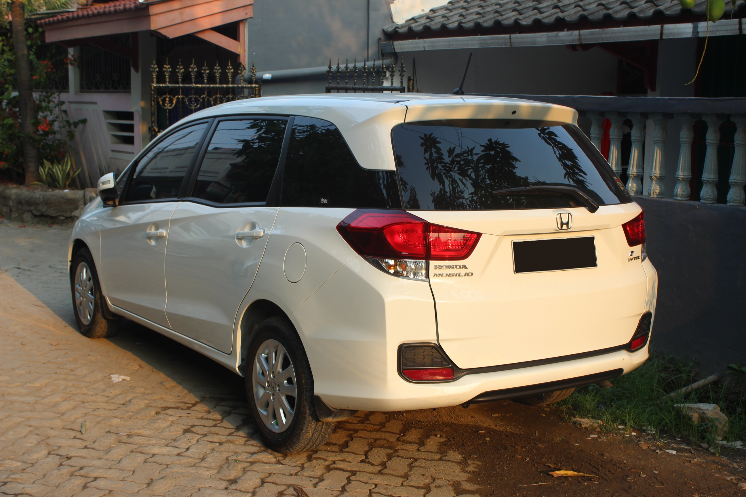 file honda mobilio e rear view june 2 2015 wikimedia mons