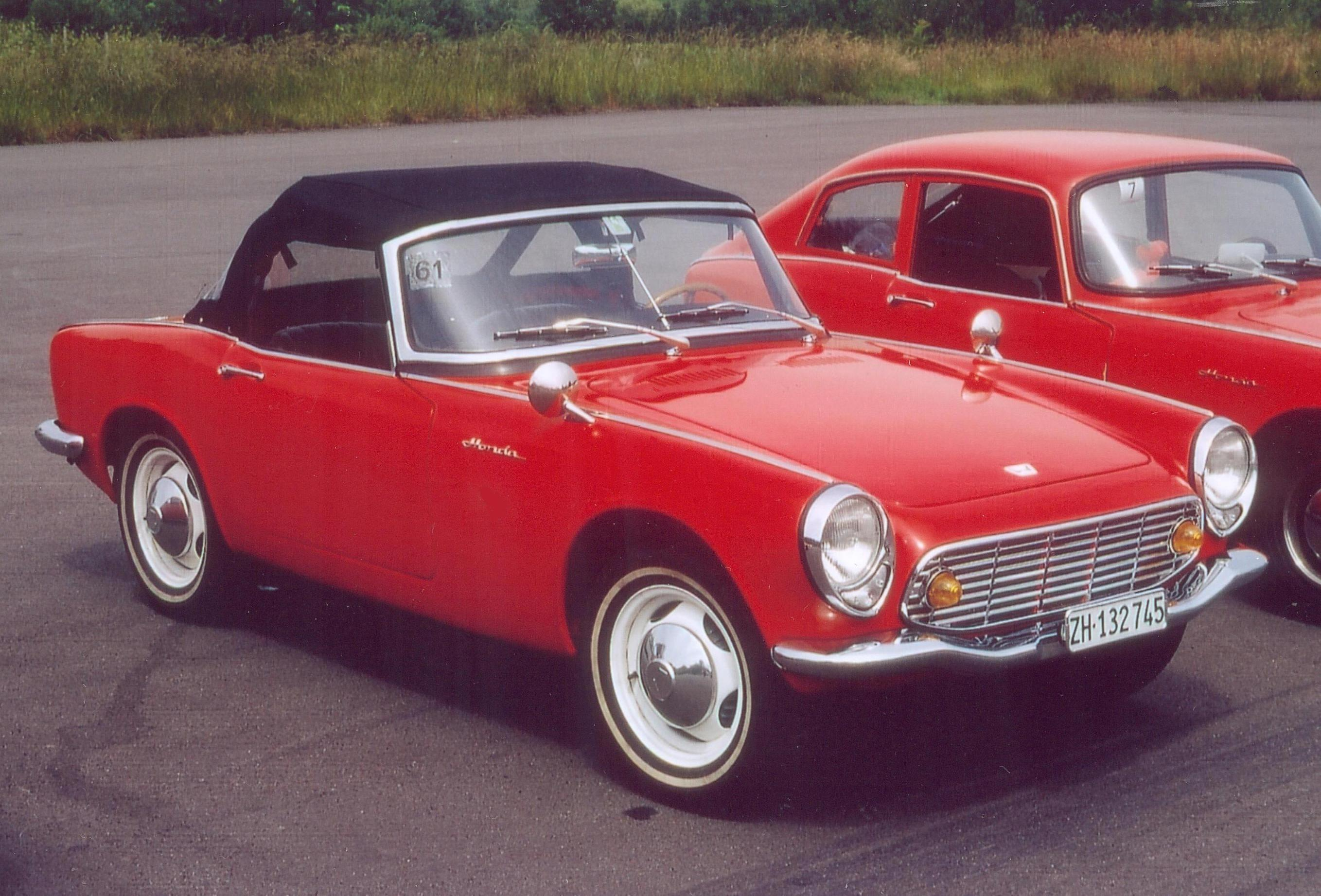 Japan Classic Car Gallery: Honda S600  The first honda sport car