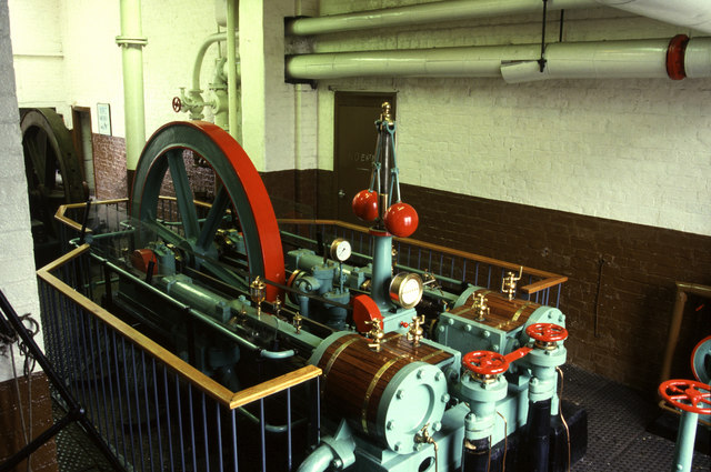 Hydraulic pumping engine, Ellesmere Port - geograph.org.uk - 1628942
