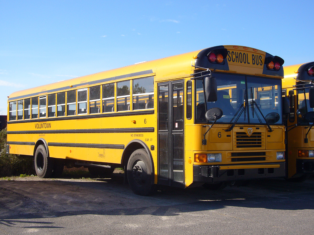 Blue Bird Bus >> File:IC-FE-school-bus-Voluntown.jpg - Wikipedia