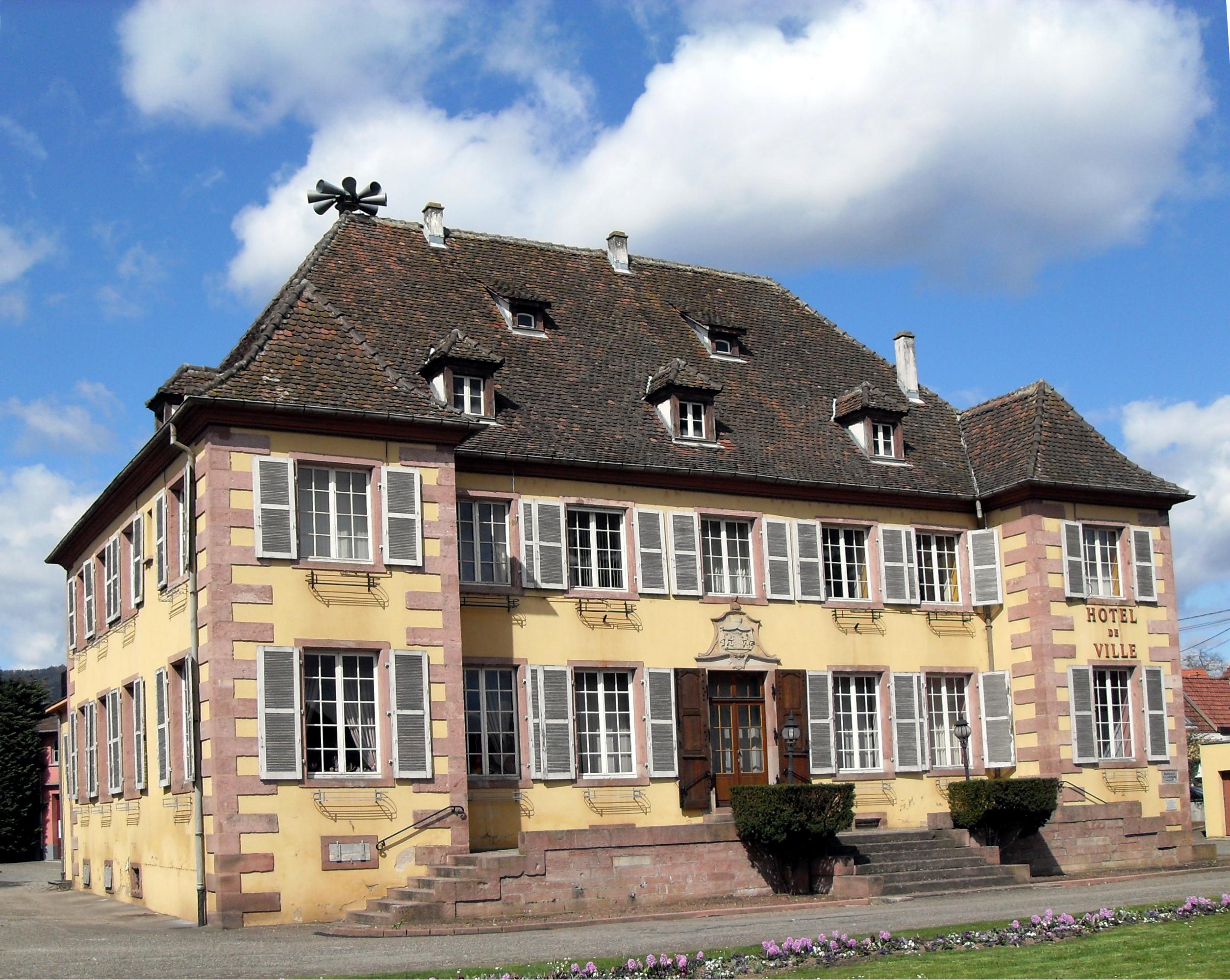 File:Ingersheim, Hôtel de ville.jpg - Wikimedia Commons