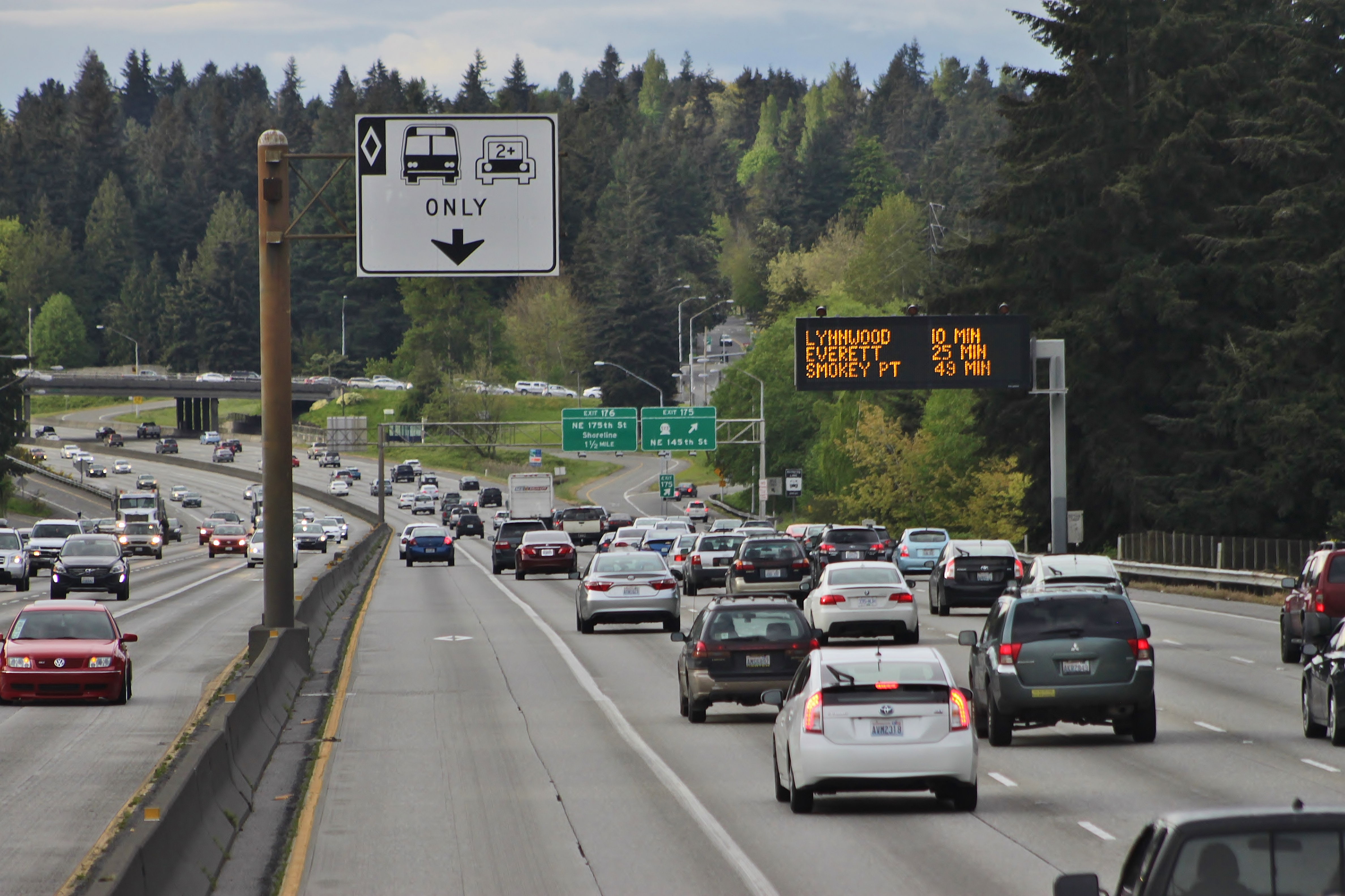 Carpool Lane Rules >> High Occupancy Vehicle Gpedia Your Encyclopedia