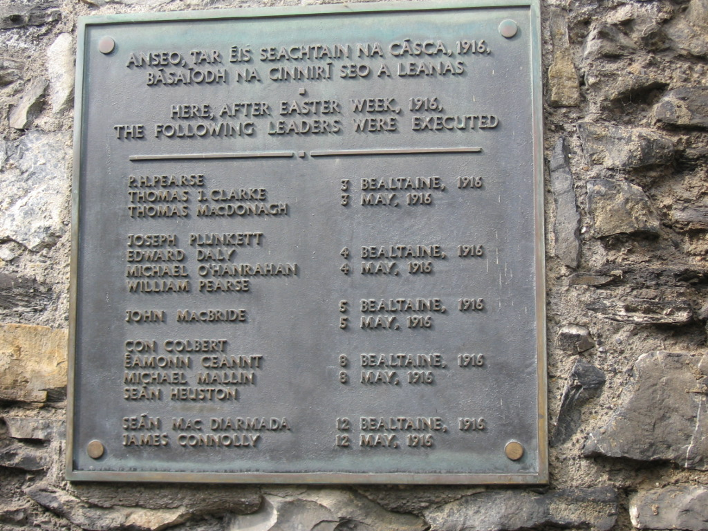 http://upload.wikimedia.org/wikipedia/commons/e/e9/Irish_Easter_Rising.JPG