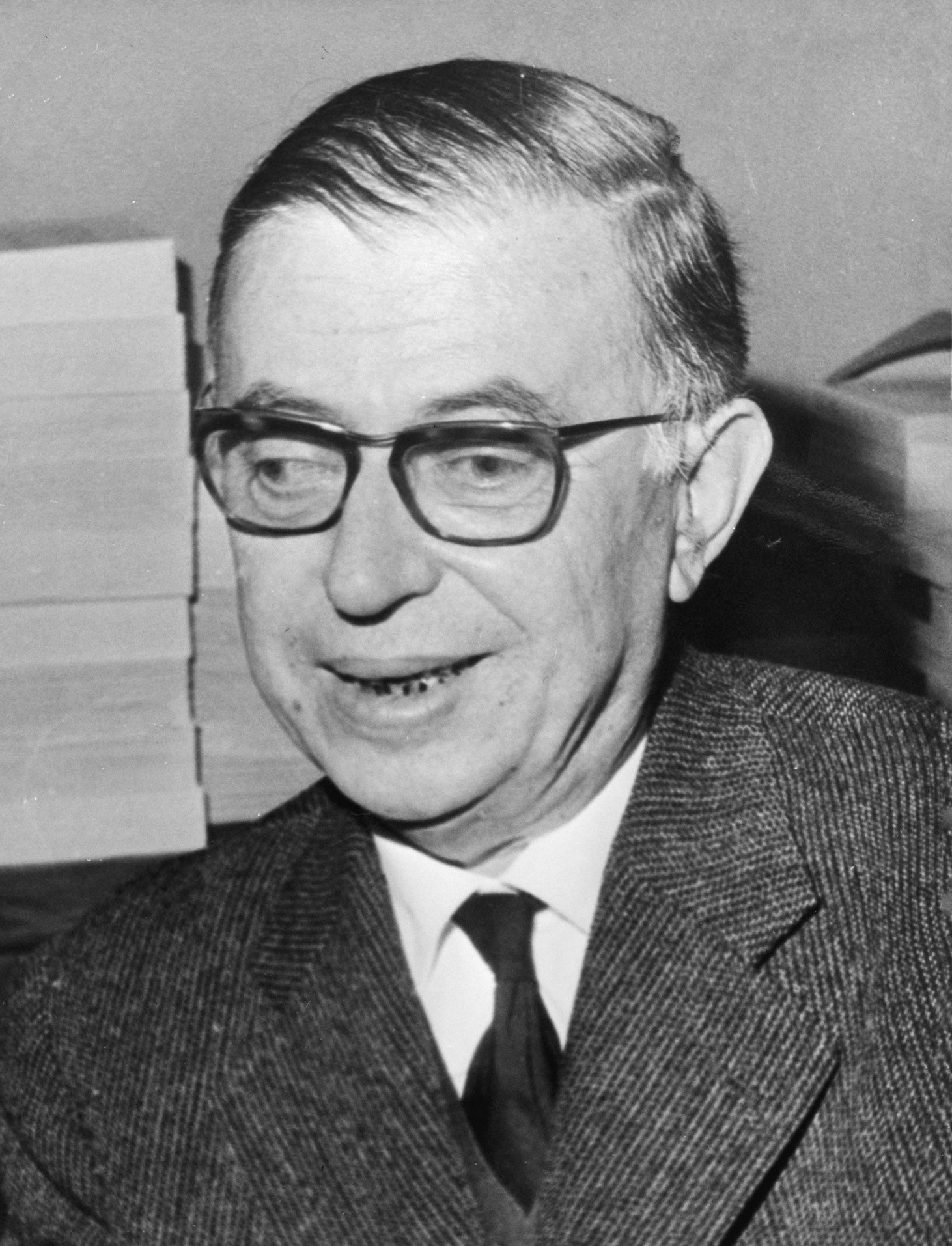 the existentialism of jean paul sartre Existentialism – jean-paul sartre (1905-1980)from the 1940s through the 1950s, existentialism was the most widely discussed philosophy in europe and america its.