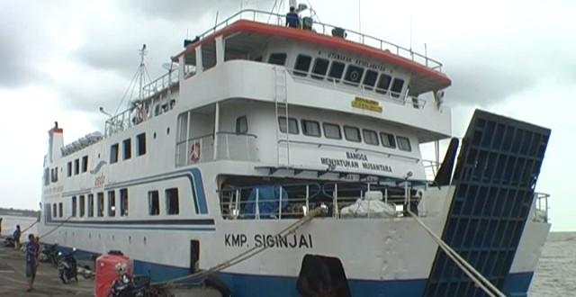 Image result for kapal siginjai jepara karimunjawa