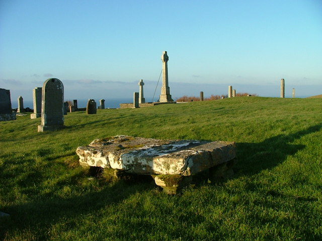Kilmuir Cemetery - geograph.org.uk - 636177