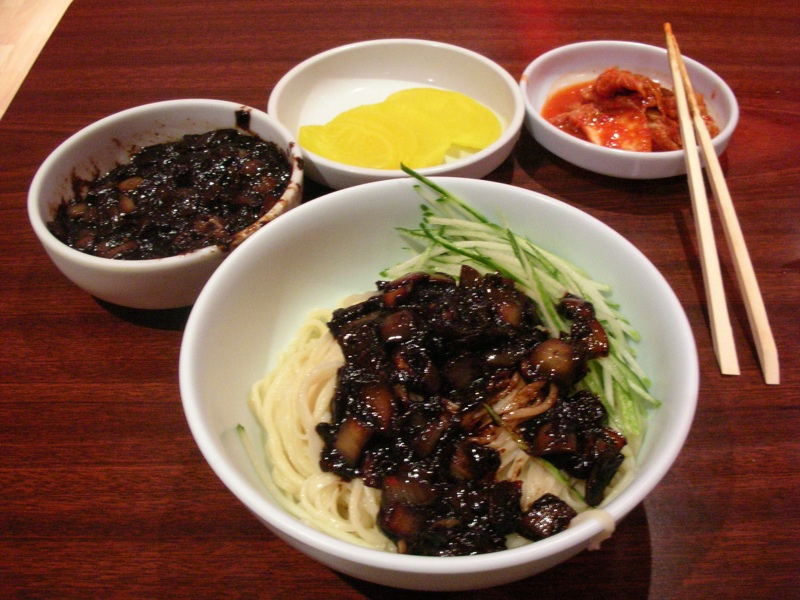 Korean.cuisine-Jajangmyeon-01