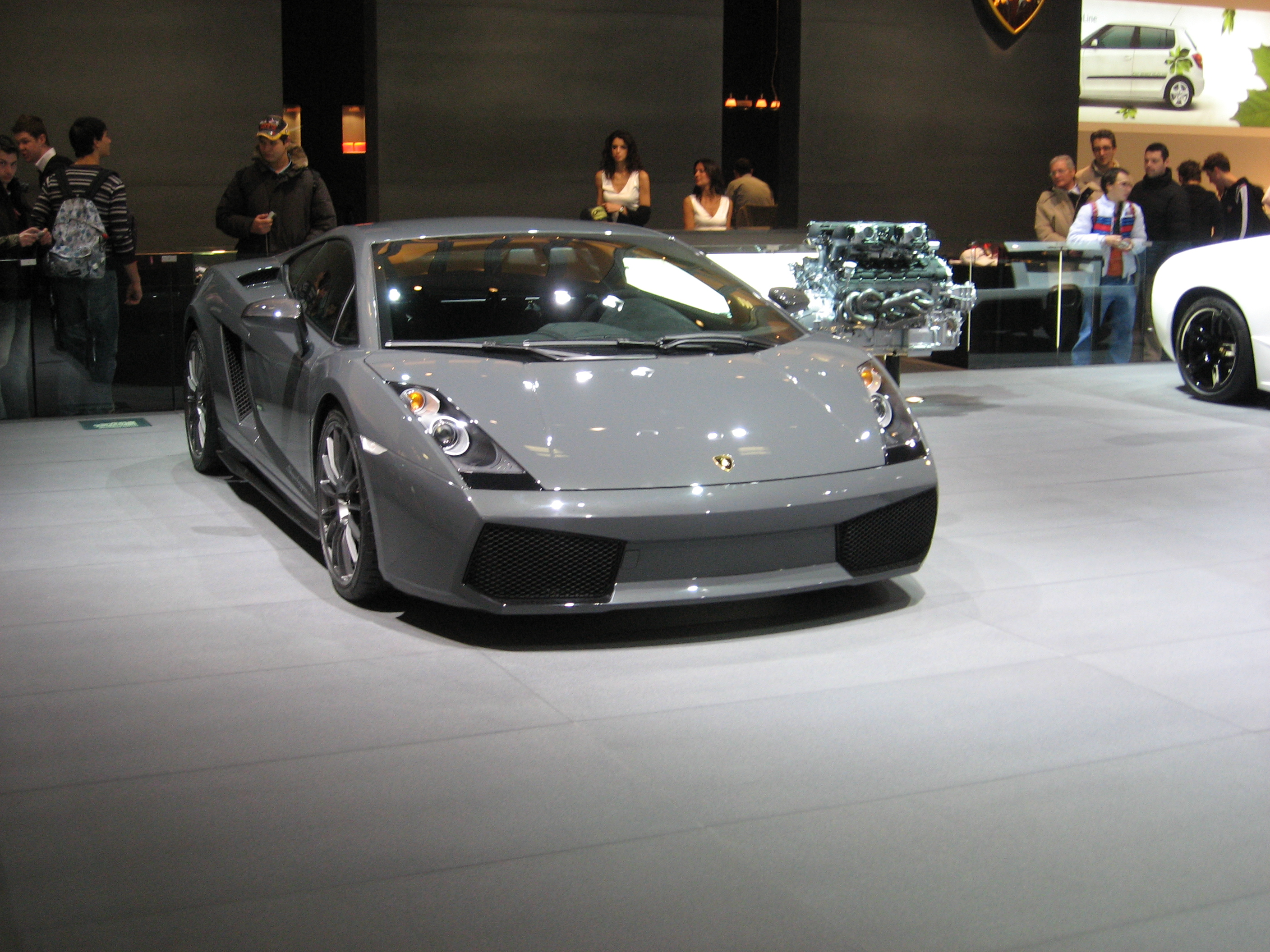 Lamborghini Gallardo Superleggera Innovation and Efficiency Pictures