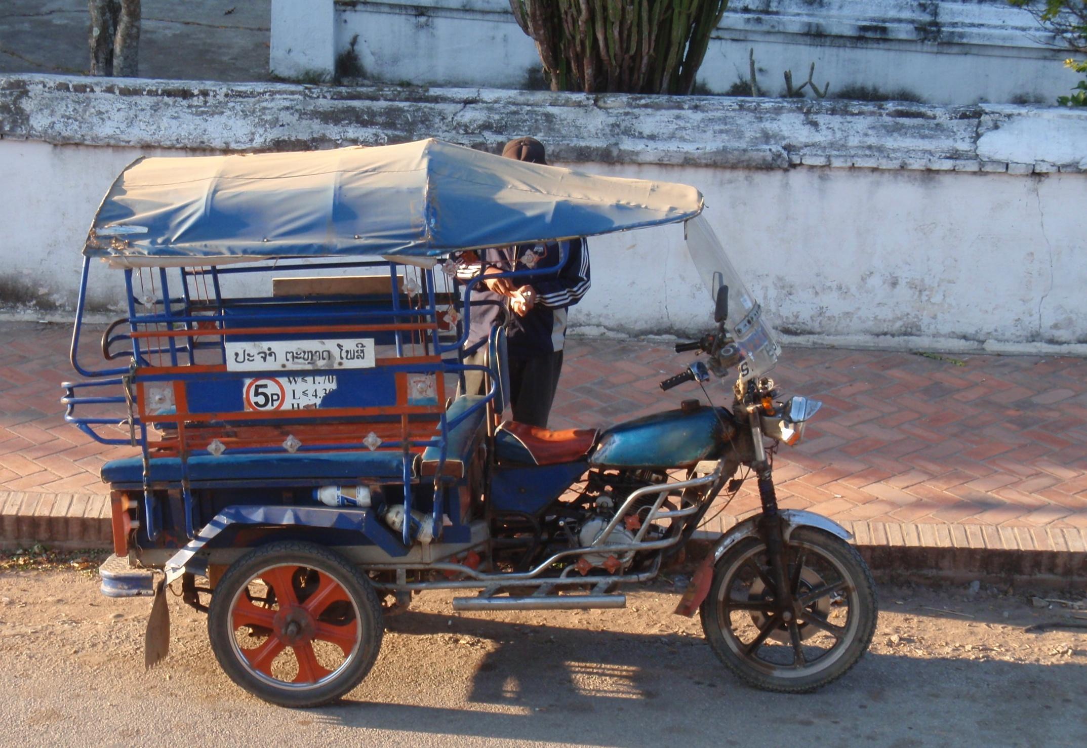 File:Laos motorcycle modified into tuk tuk auto rickshaw.jpg ...