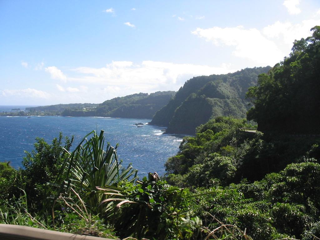 File:Maui coast.jpg - Wikimedia Commons