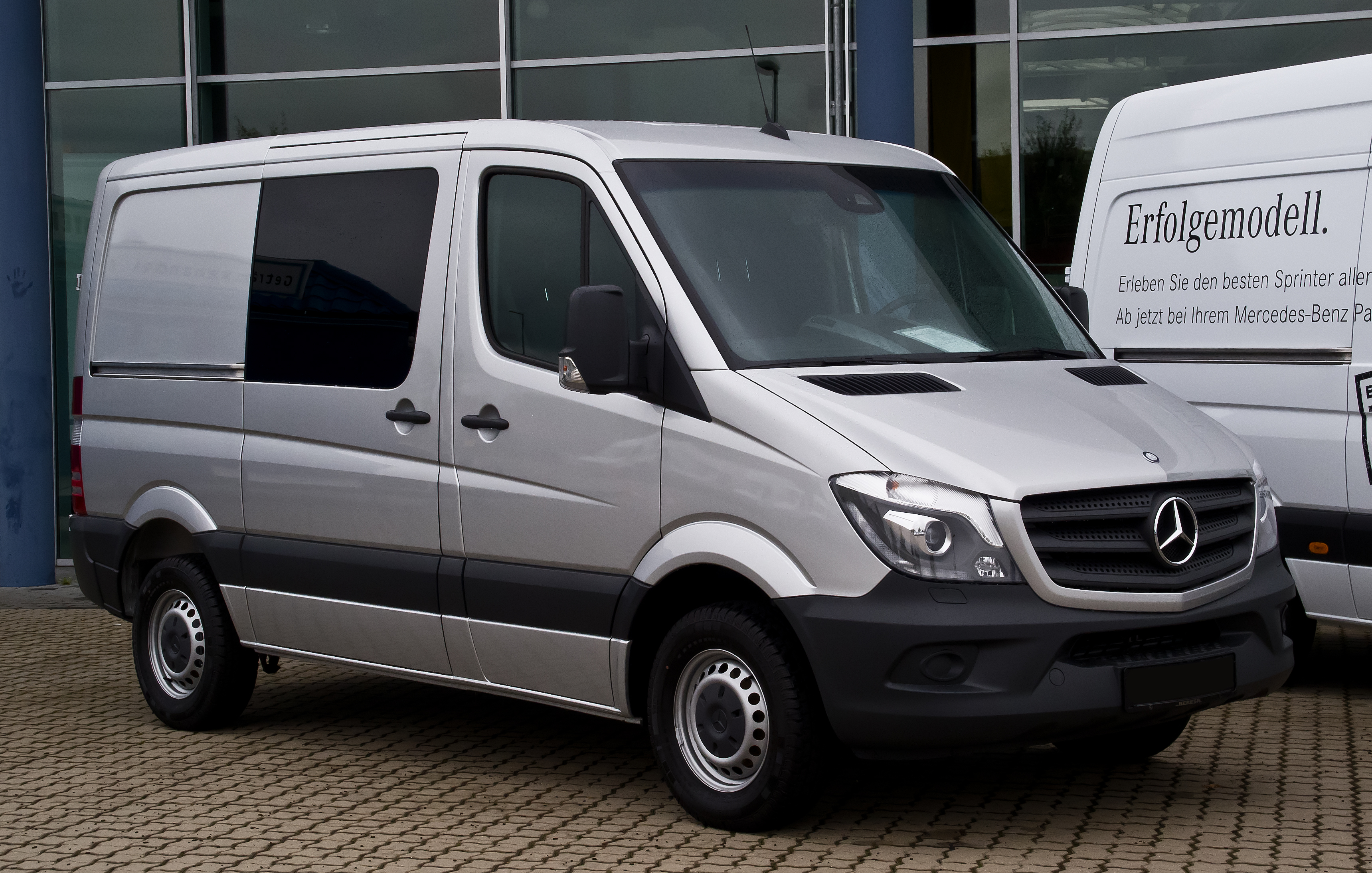 file mercedes benz sprinter mixto 216 cdi w 906 facelift. Black Bedroom Furniture Sets. Home Design Ideas