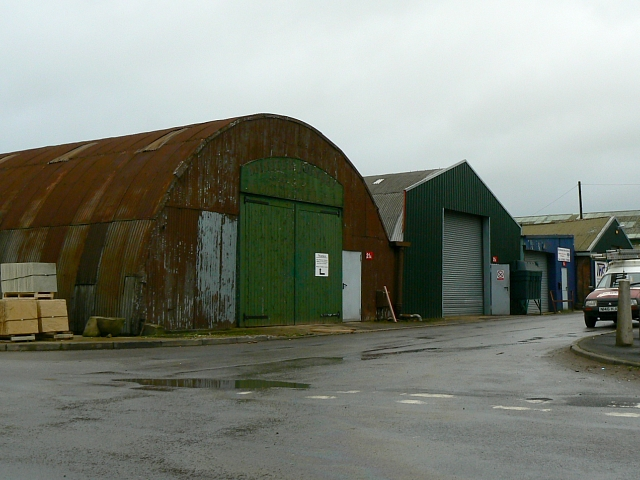 Nissen huts, Bromag Industrial Estate, Witney - geograph.org.uk - 516719