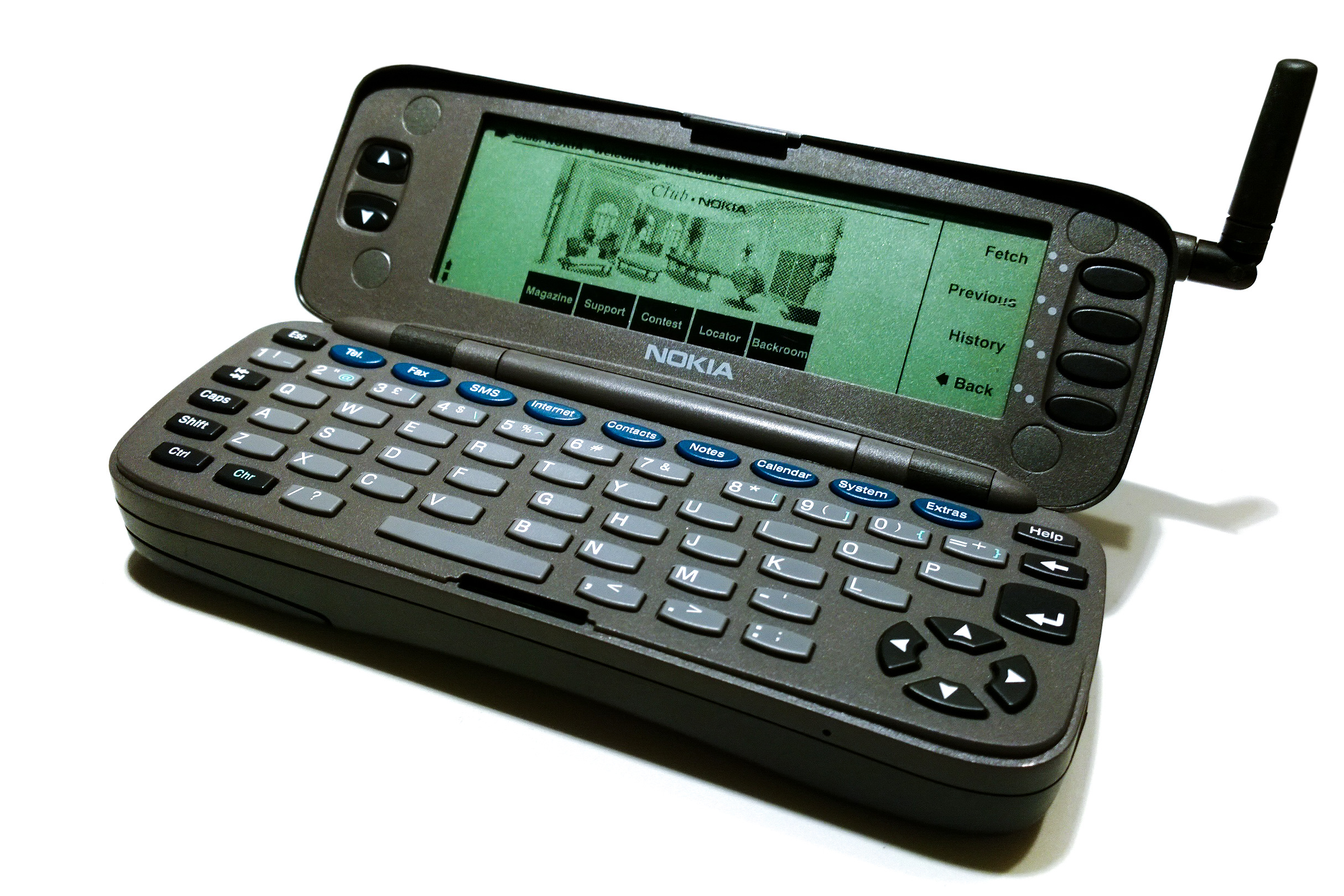 https://upload.wikimedia.org/wikipedia/commons/e/e9/Nokia_Communicator_9000_Opened_01.jpg
