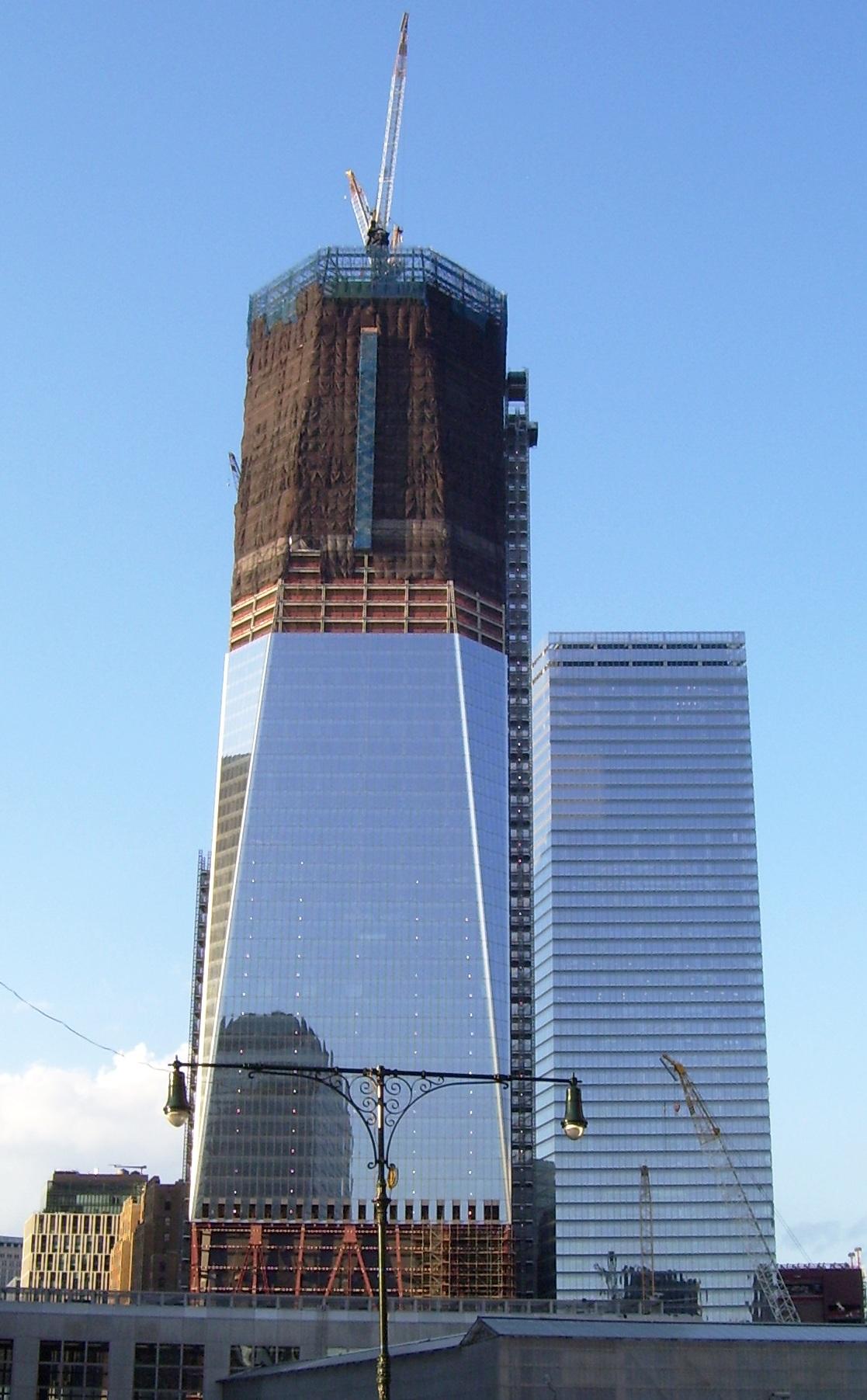 World Trade Center Construction : File one world trade center under construction july
