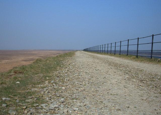 Pennine Way alongside Warland Reservoir - geograph.org.uk - 401754