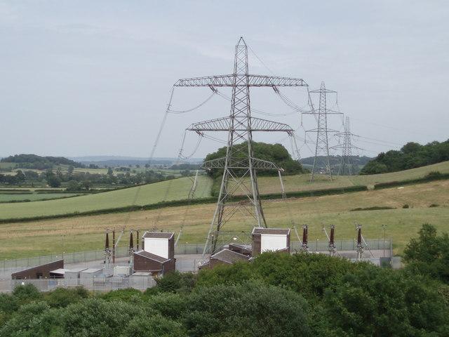 File:Pylons - geograph.org.uk - 190588.jpg - Wikimedia Commons