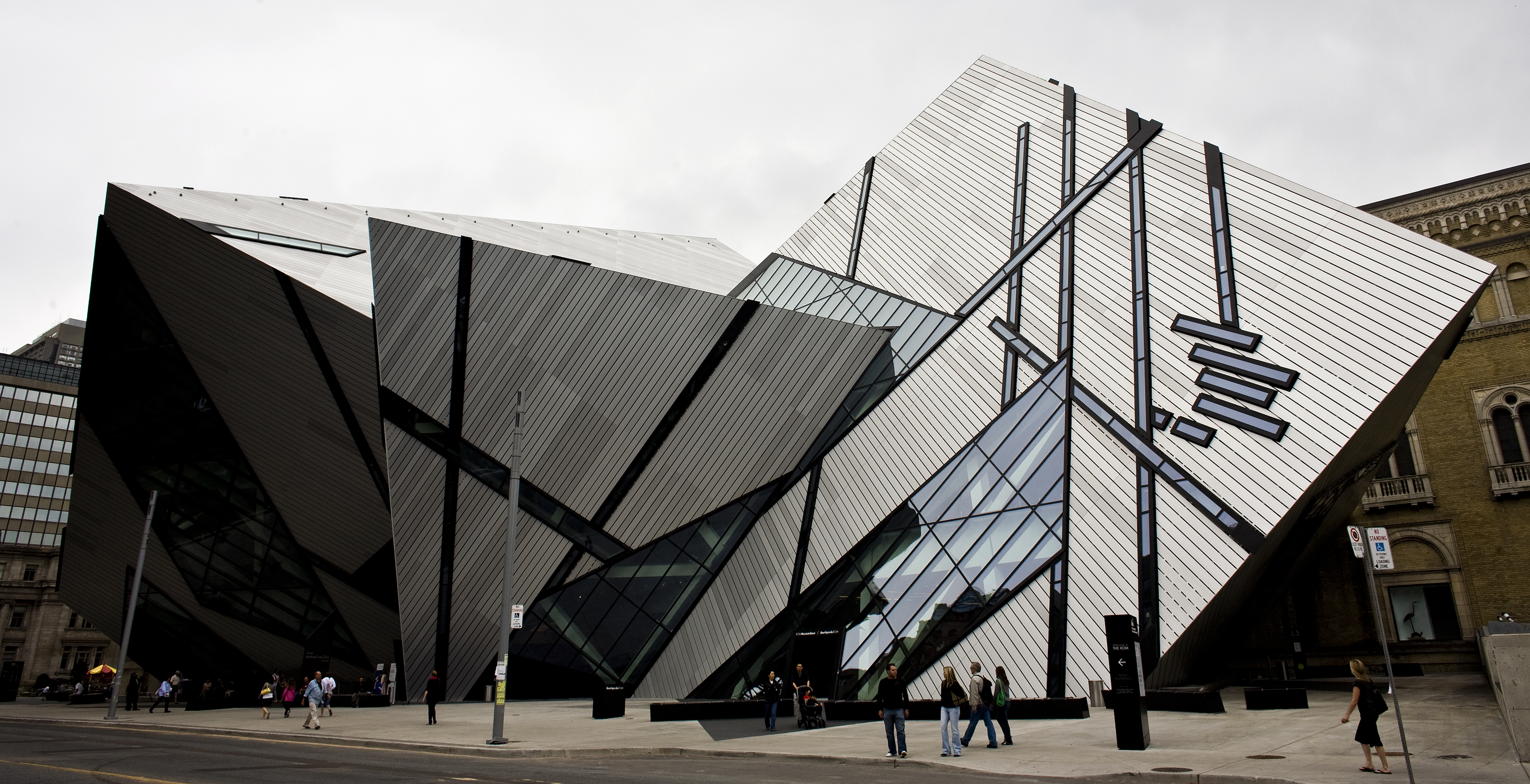 10 Art Museums with Mind Blowing Architecture You Must See