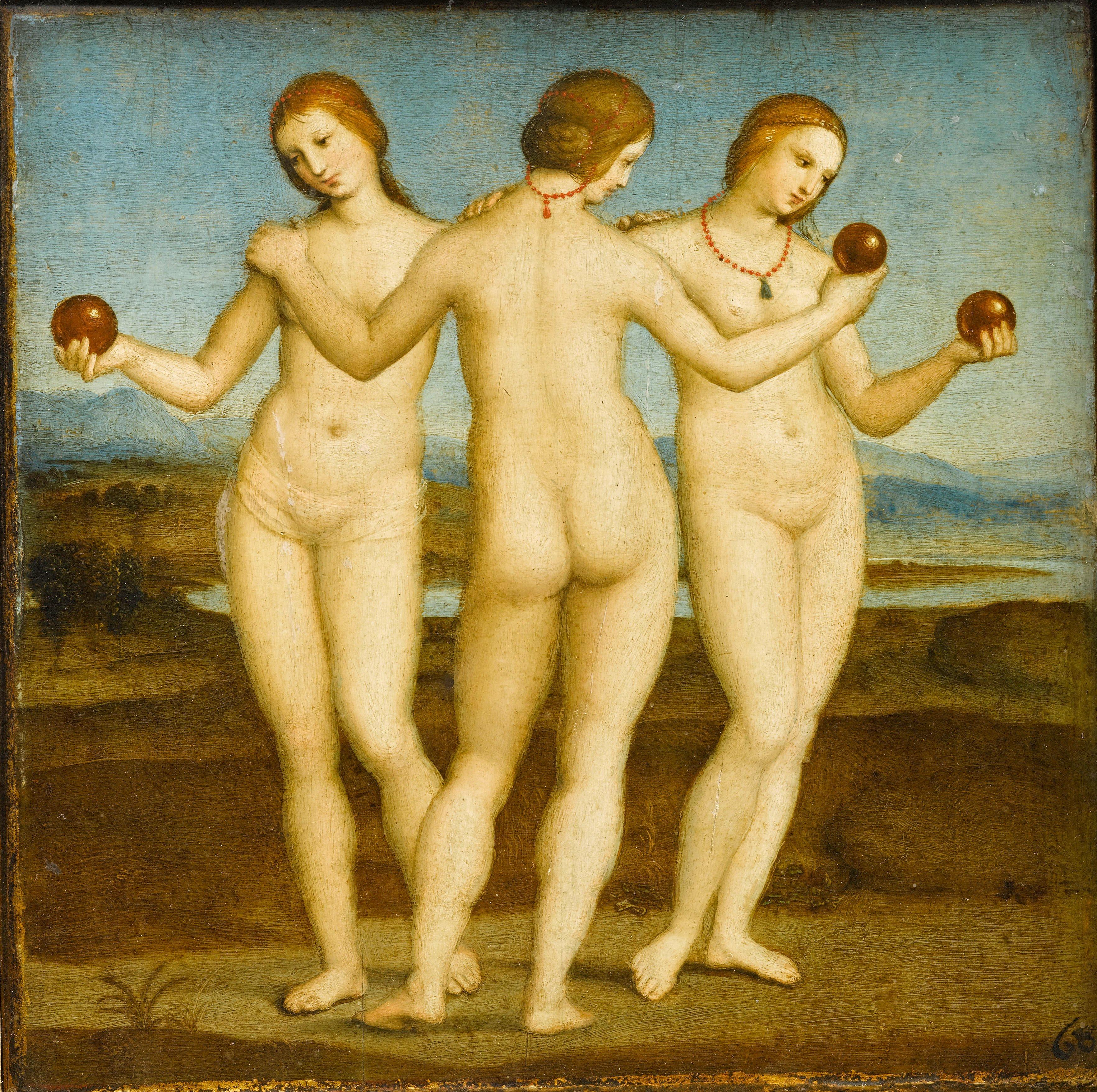 Три голых женщины