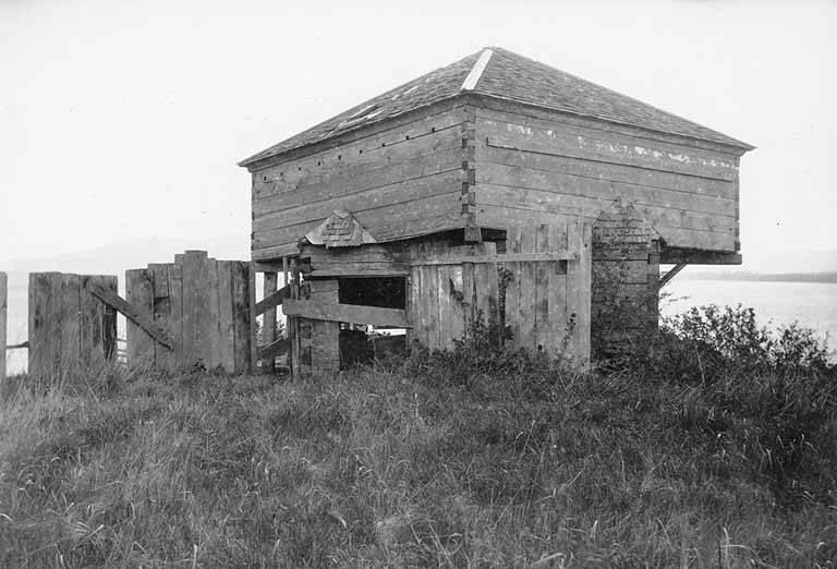 Fort Bellingham - Wikipedia