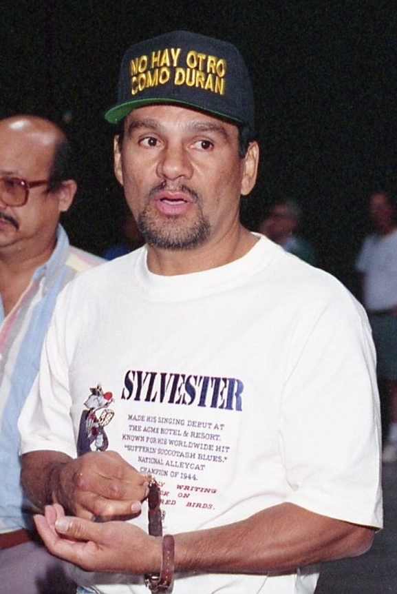 Durán before his 1994 fight with [[Vinny Pazienza]]