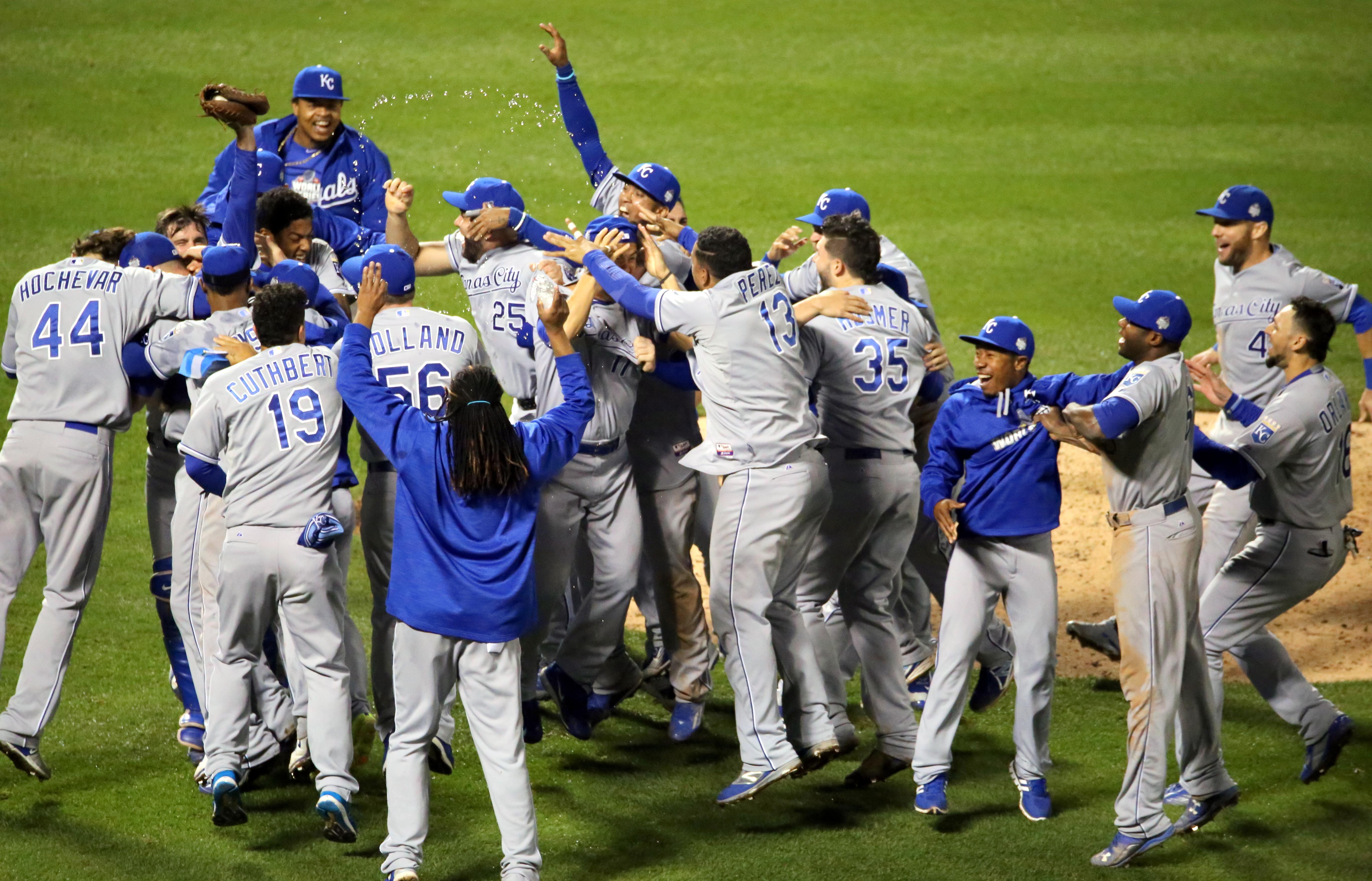 File:Royals win 2015 -WorldSeries (22744046262) jpg