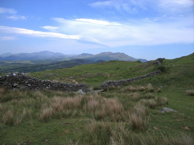 Ruins of ancient huts below y Gyrn - geograph.org.uk - 185561