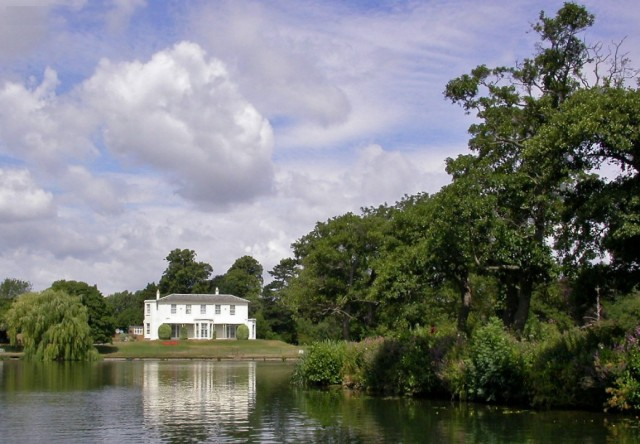 Shepperton Large white house near Shepperton Ferry with extensive private river-bank downstream 1981345 09114ba0