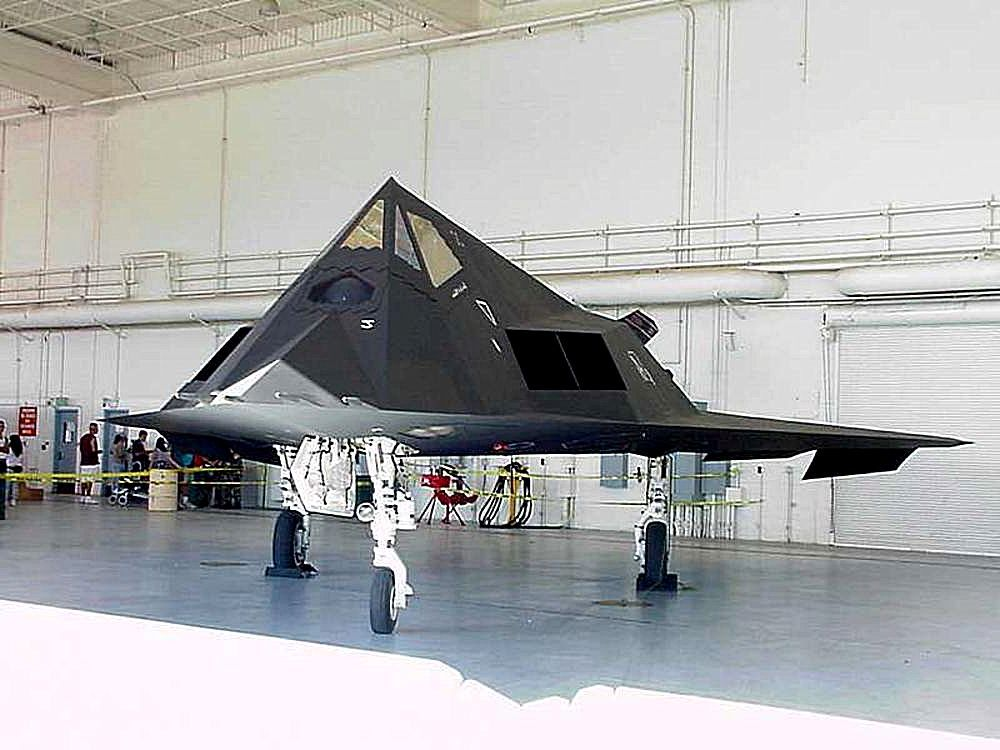 File:Stealth fighter.jpg - Wikimedia Commons: commons.wikimedia.org/wiki/file:stealth_fighter.jpg