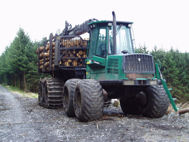 Timberjack_forwarder_near_Blaree_Burn_-_