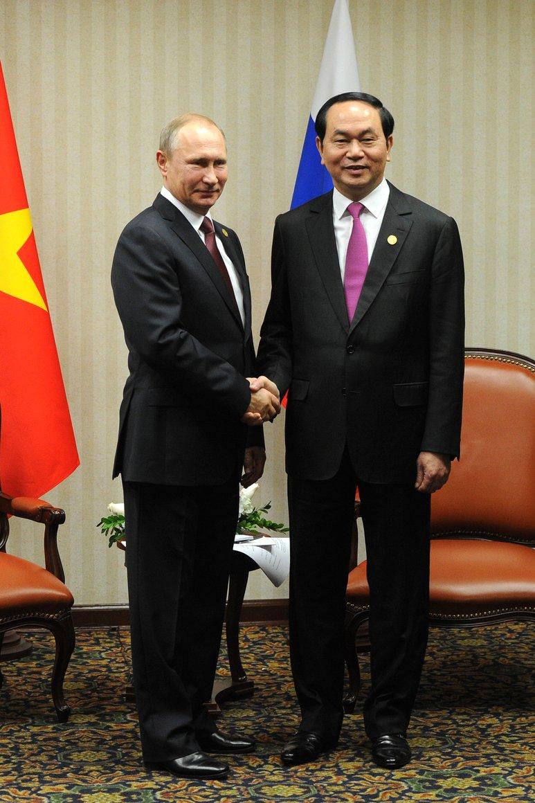Tr%E1%BA%A7n %C4%90%E1%BA%A1i Quang and Vladimir Putin, 2016-02.jpg