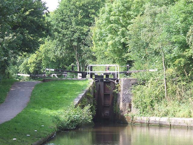 Trentham Lock No 35, Trent and Mersey Canal, Barlaston, Staffordshire - geograph.org.uk - 555809