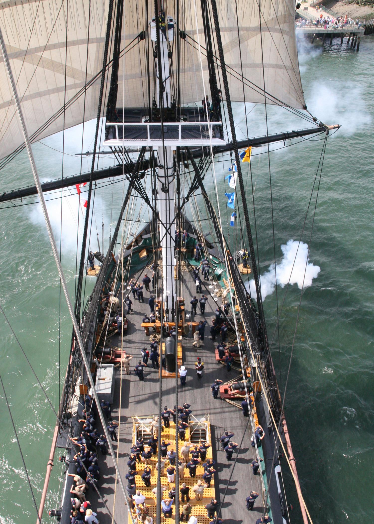 USS_Constitution_2006.jpg