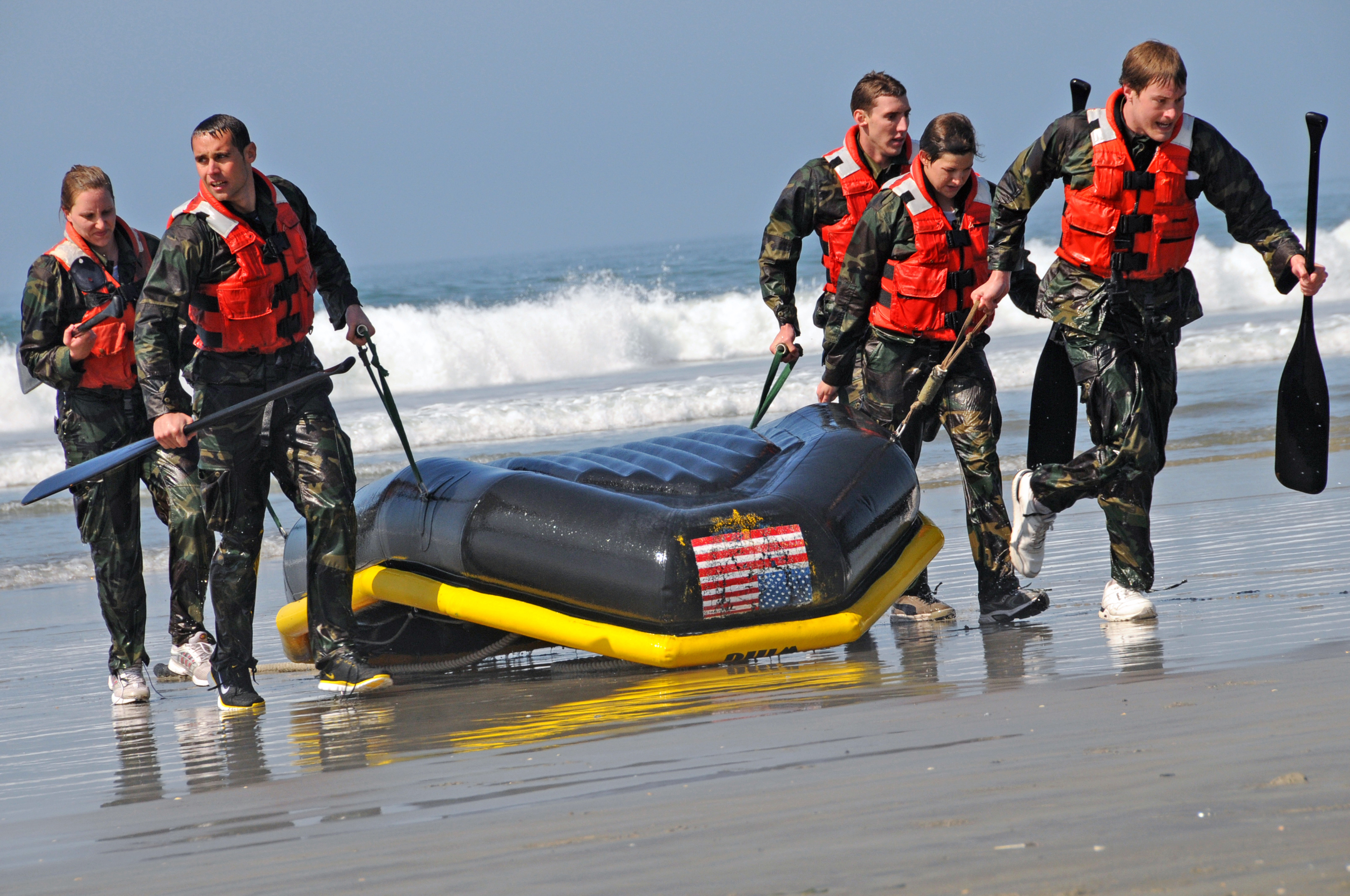 File:US Navy 090318-N-0413B-035 Members of the United States ...