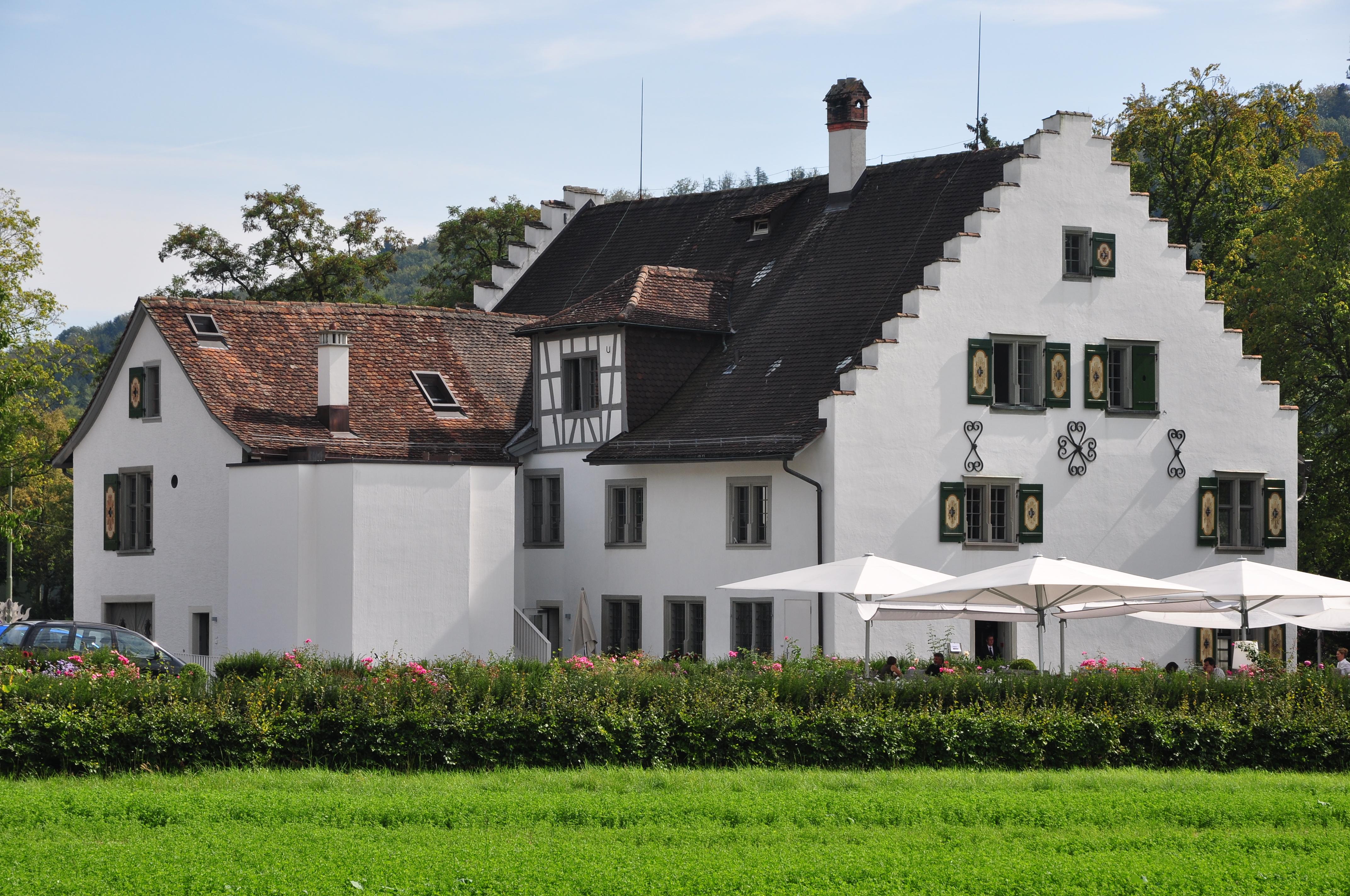 datei winterthur schloss w lflingen mit waschhaus und scheune w lflingerstrasse 214 2011 09. Black Bedroom Furniture Sets. Home Design Ideas