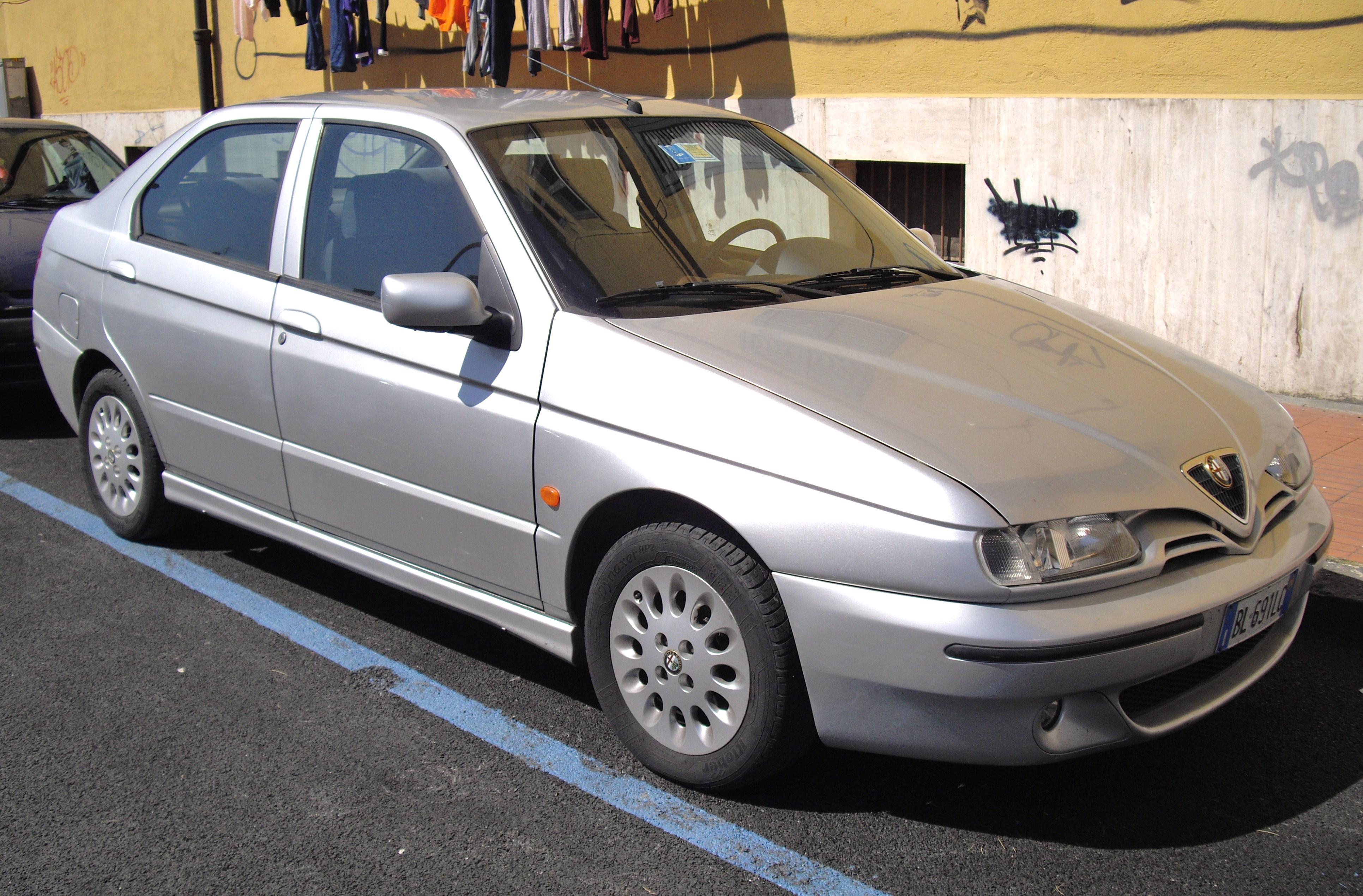 File:1999 Alfa Romeo 146.JPG
