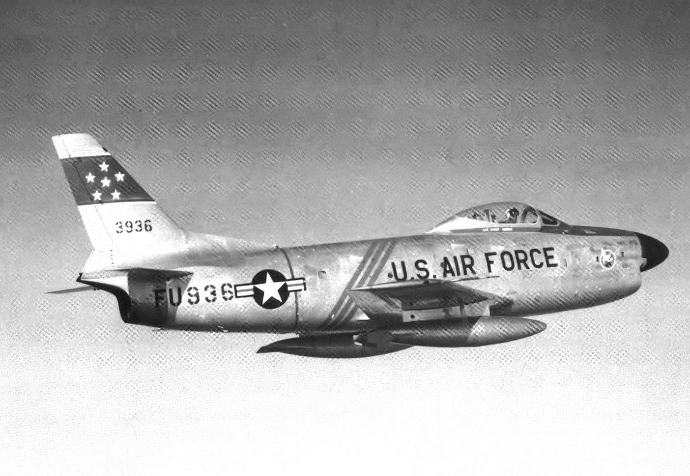539th_Fighter-Interceptor_Squadron_North_American_F-86D-45-NA_Sabre_52-3936_1954.jpg
