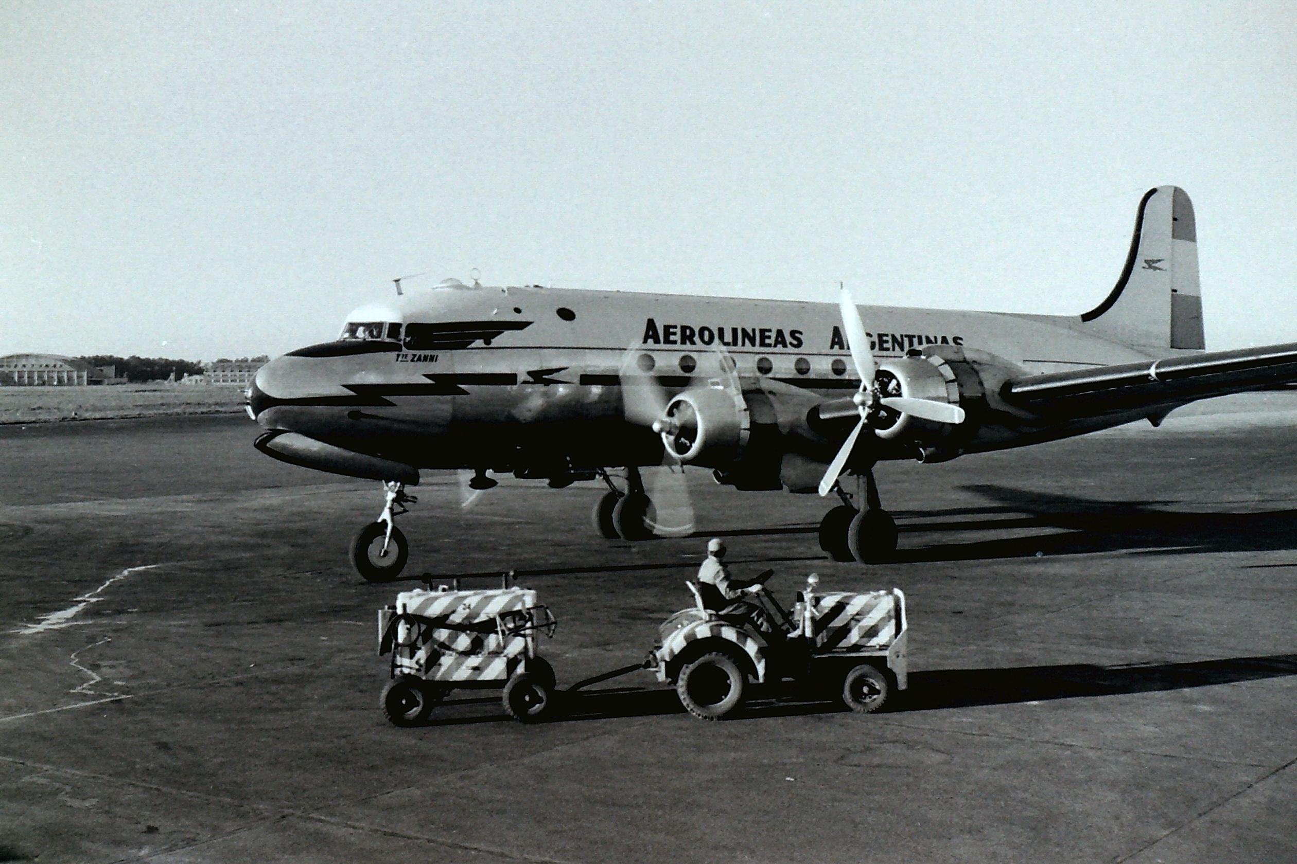 Aerolineas_Argentinas_DC4_atEZE_1958.jpg