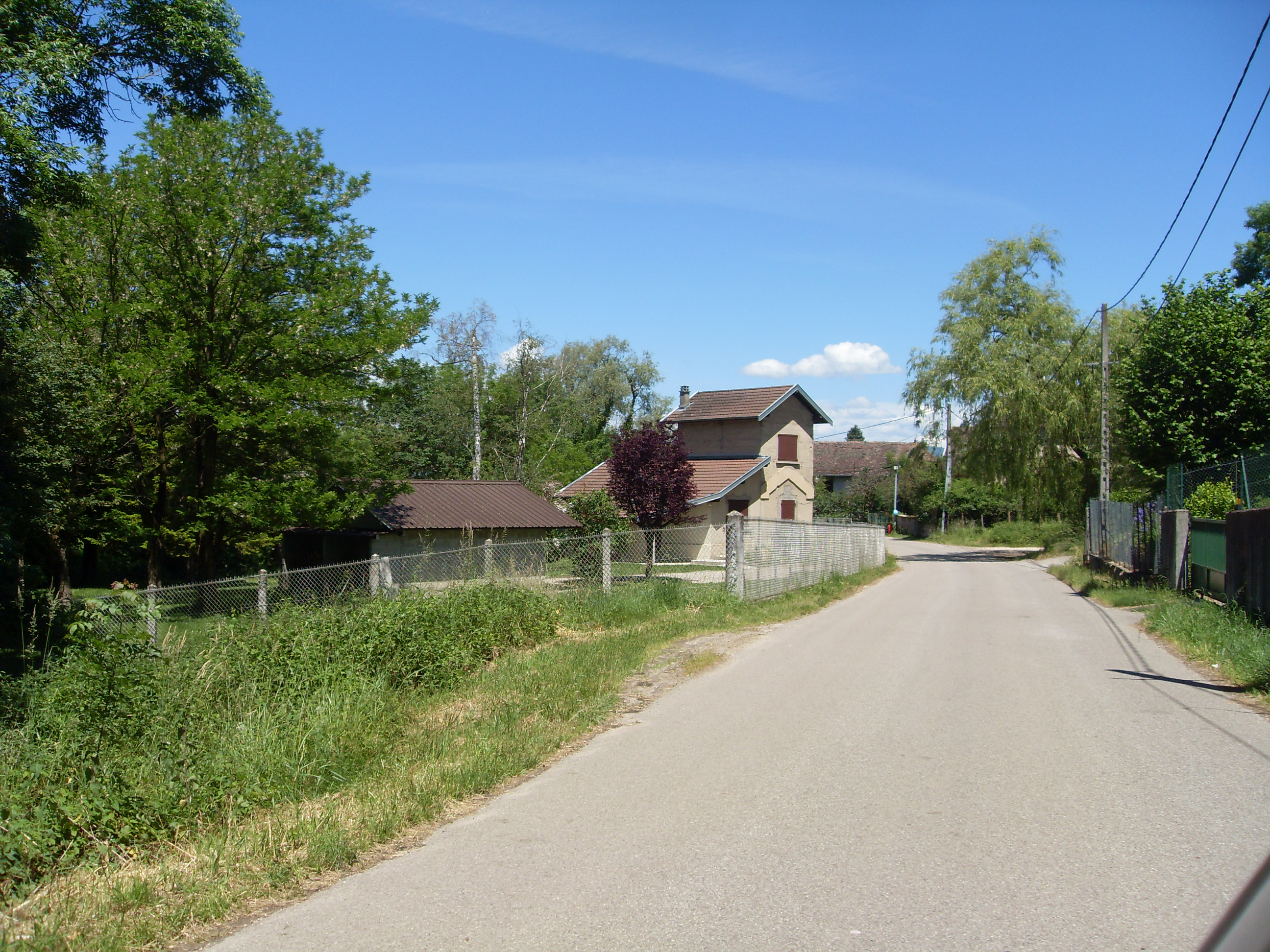 File ancienne maison de garde barri re chassins for Ancienne maison des gardes