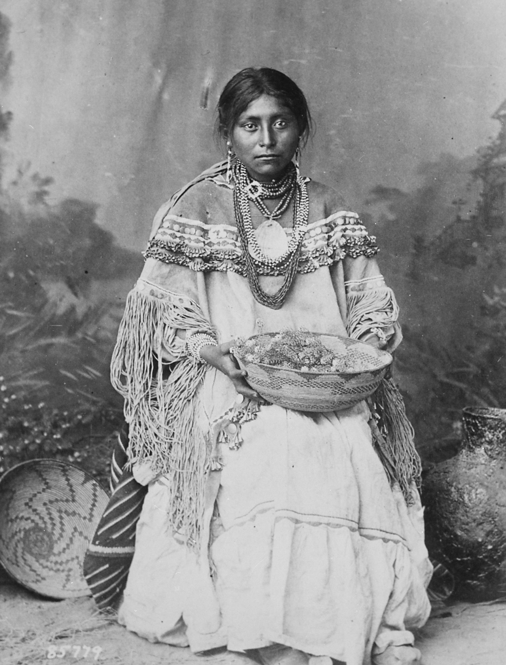 Soubor:Apache bride.jpg