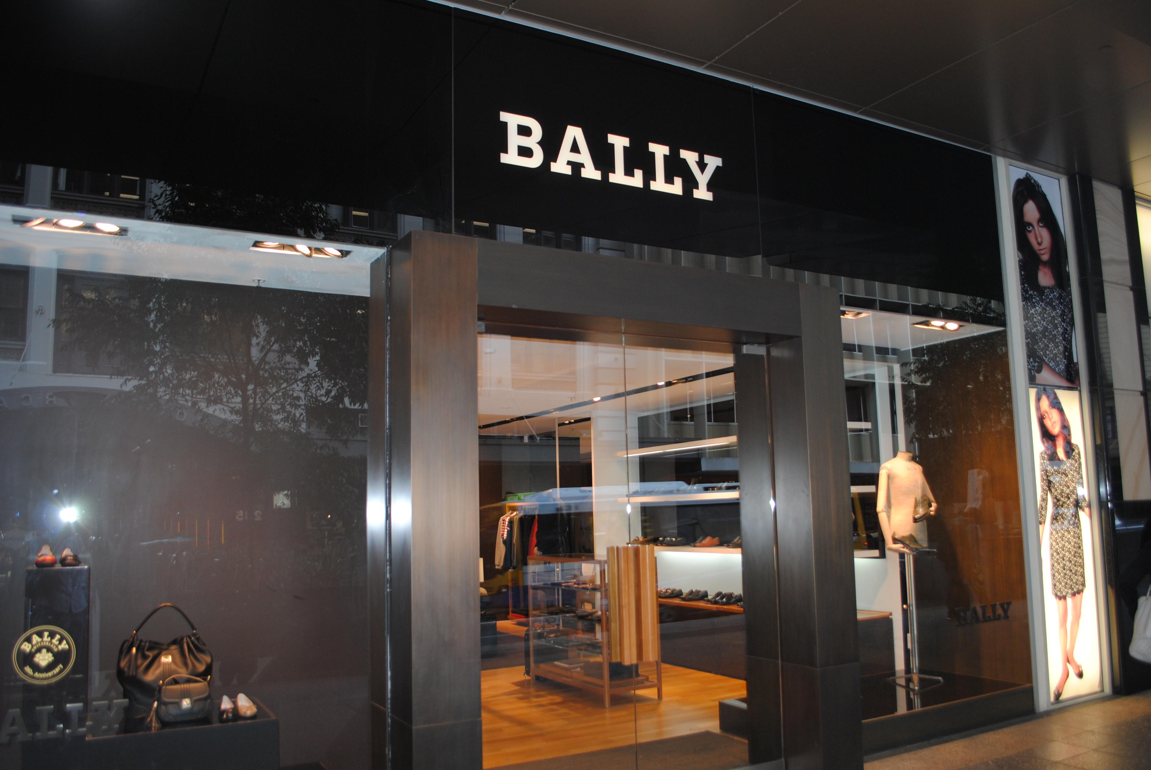 Brisbane city clothing stores