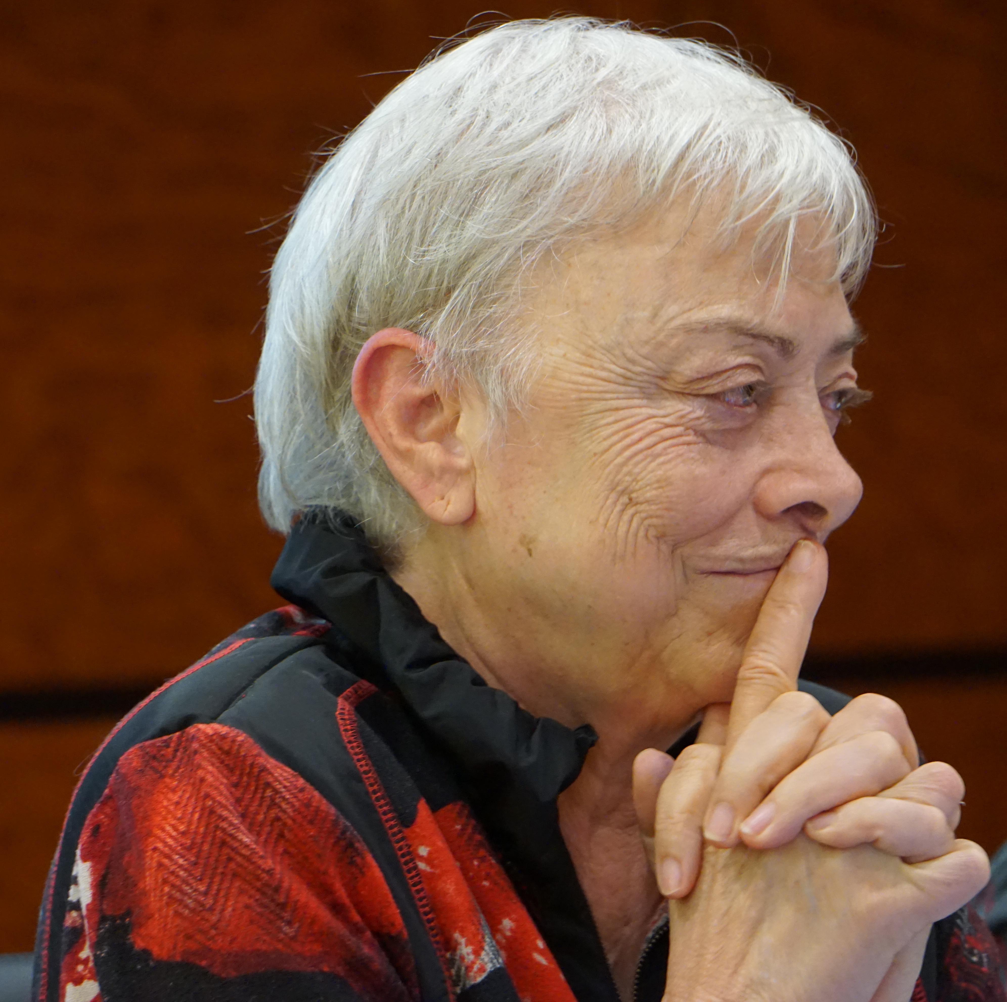 Begoña San José: «Si lográramos establecer la economía feminista, no tendríamos el paro que tenemos en España»