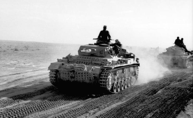 Datei:Bundesarchiv Bild 101I-783-0109-11, Nordafrika, Panzer III in Fahrt.jpg