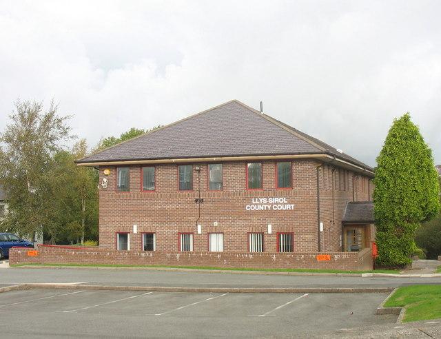Caernarfon_County_Court.jpg