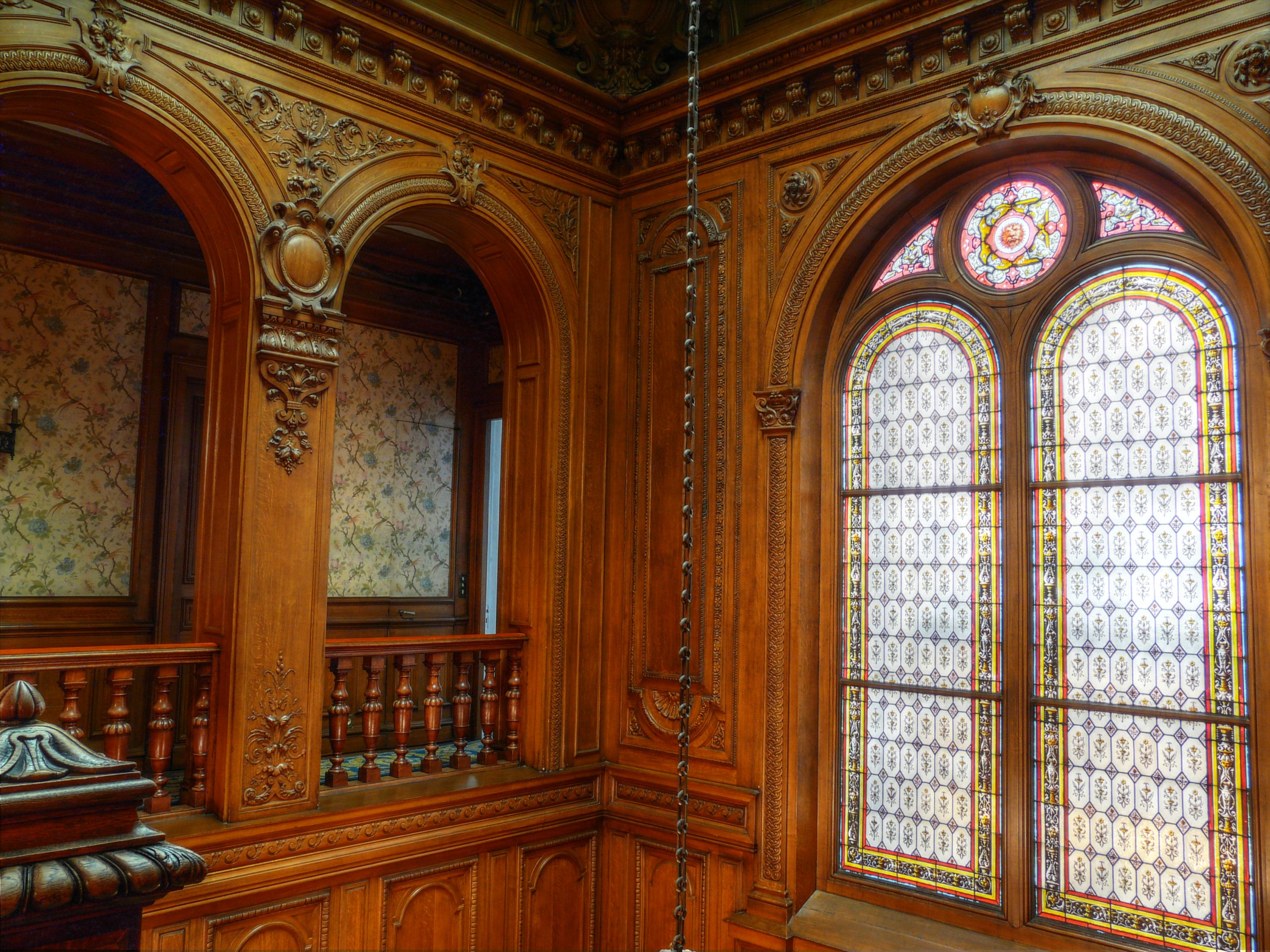 File cage d 39 escalier banque de france de for Tapisser cage d escalier