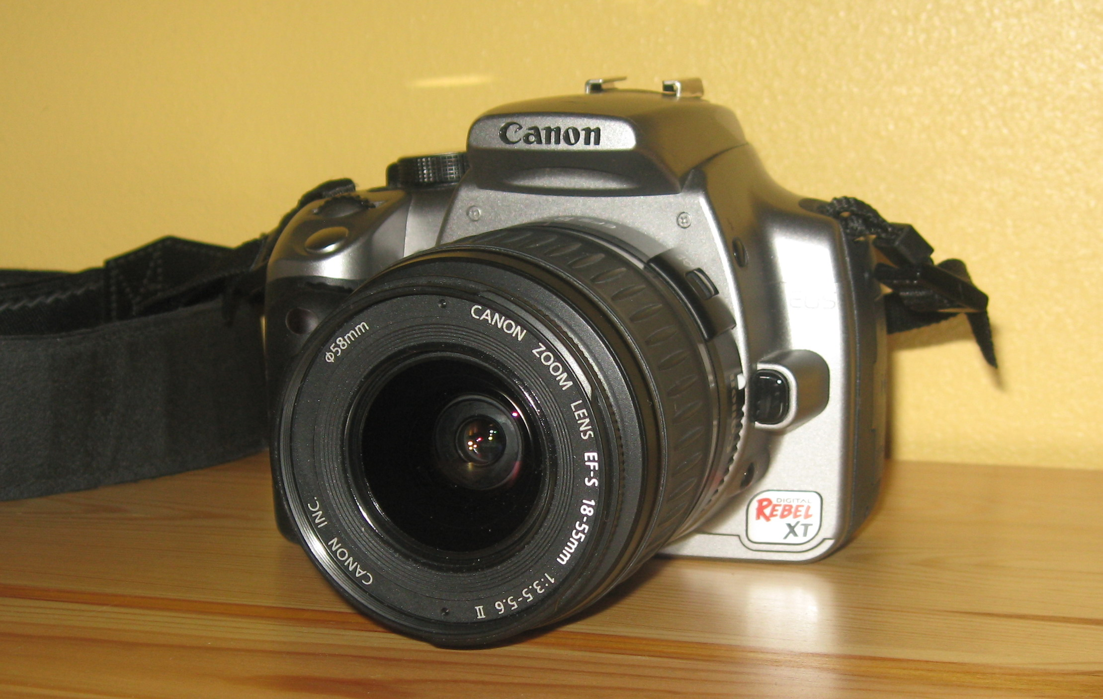 File:Canon EOS Digital Rebel XT 350D front kit lens jpg