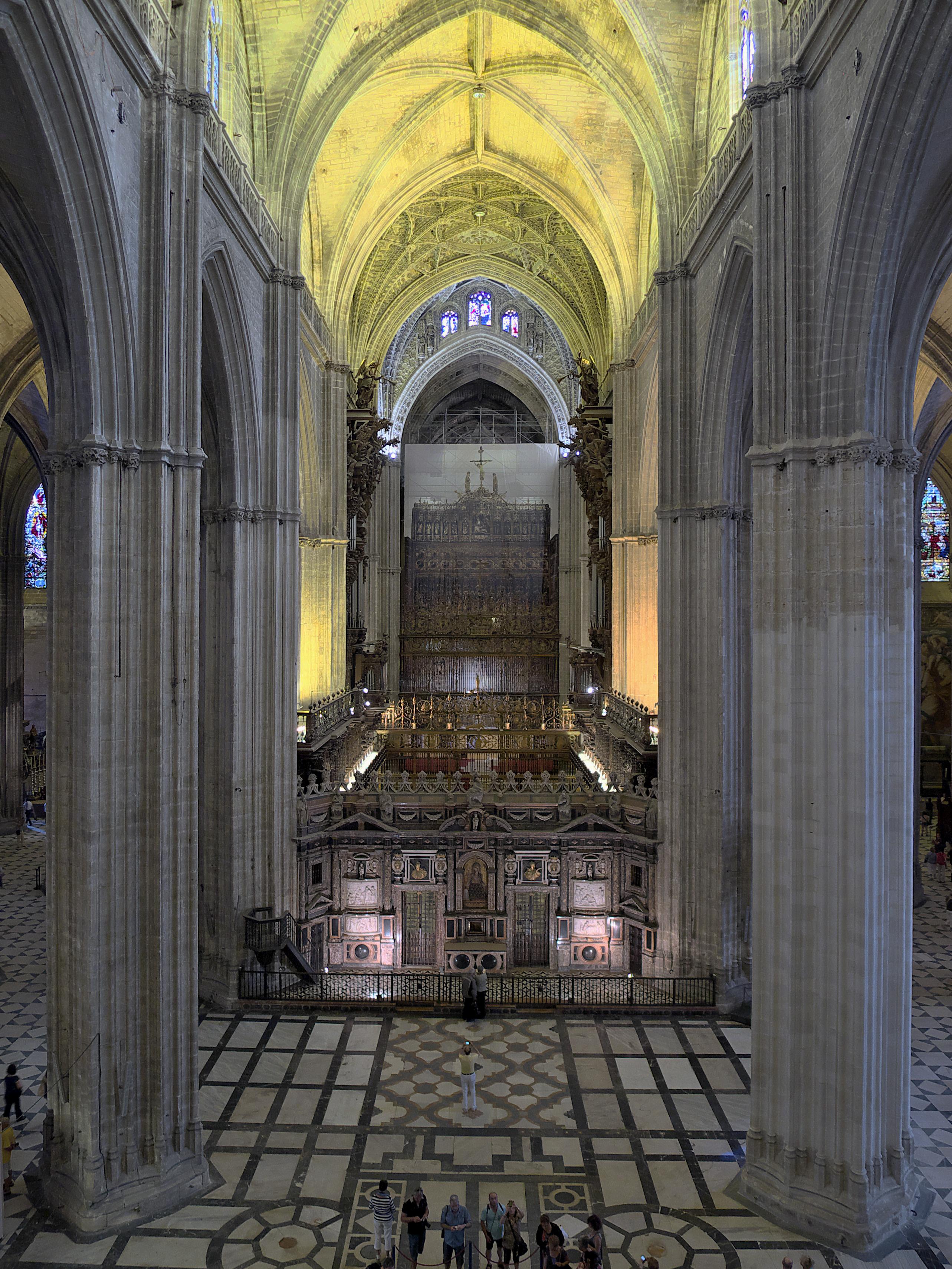 File catedral de sevilla nave wikimedia commons - Catedral de sevilla interior ...