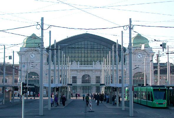 Fichier:Central-Bahnhof SBB von Basel.jpeg