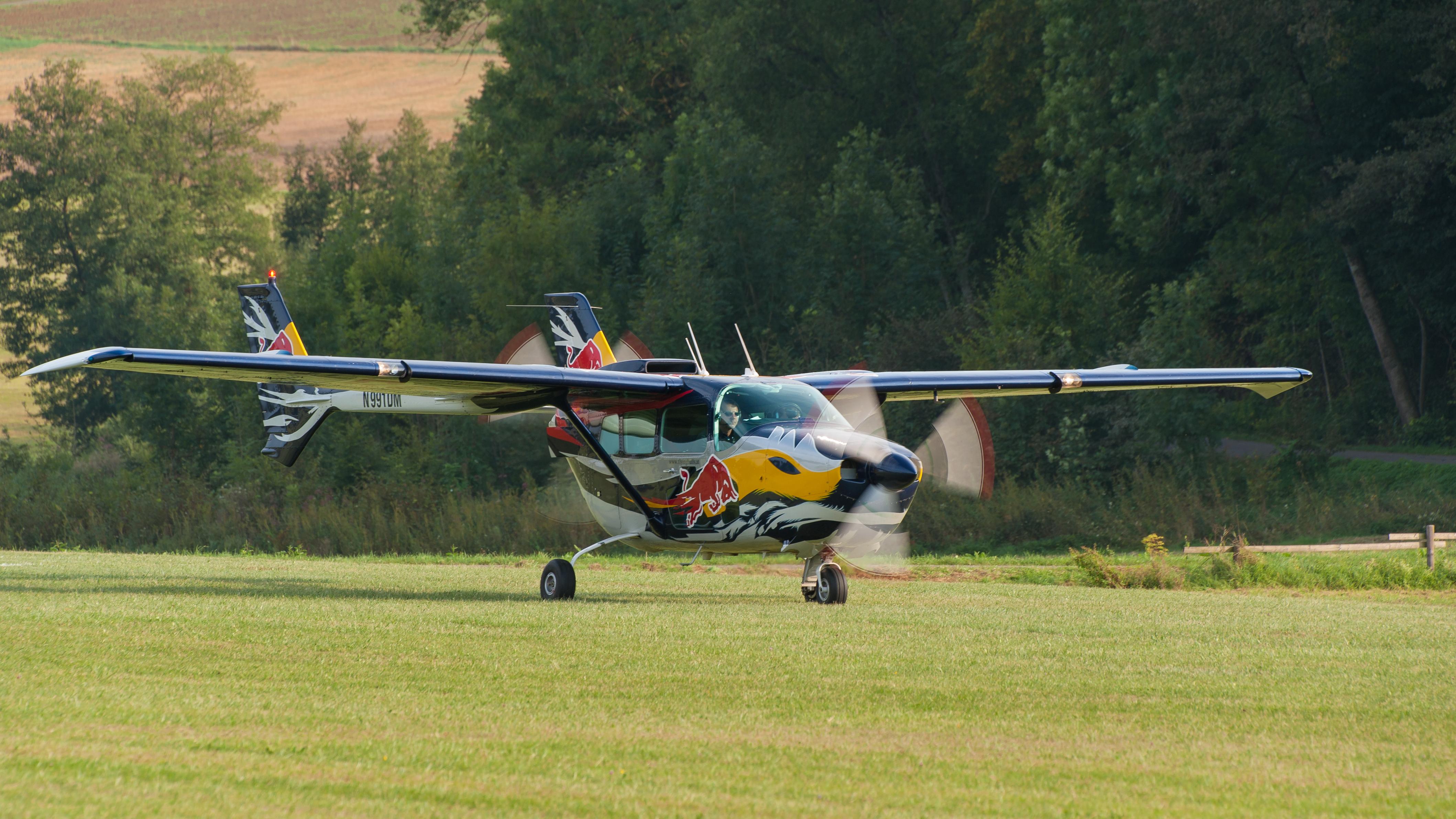 File:Cessna 337D Skymaster OTT2013 D7N9418 003.jpg