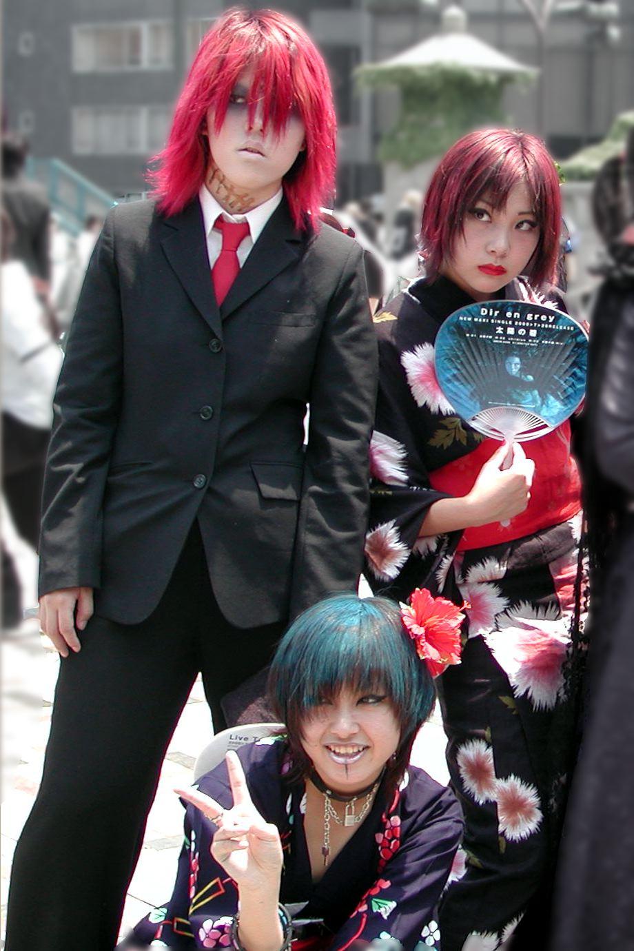 File:Cosplay Girls at Harajuku Bridge, Tokyo, Japan ...